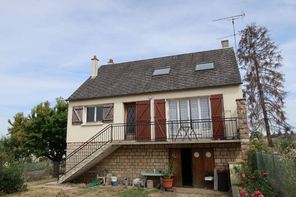 Maison à vendre 7 118m2 à Château-Renard vignette-1