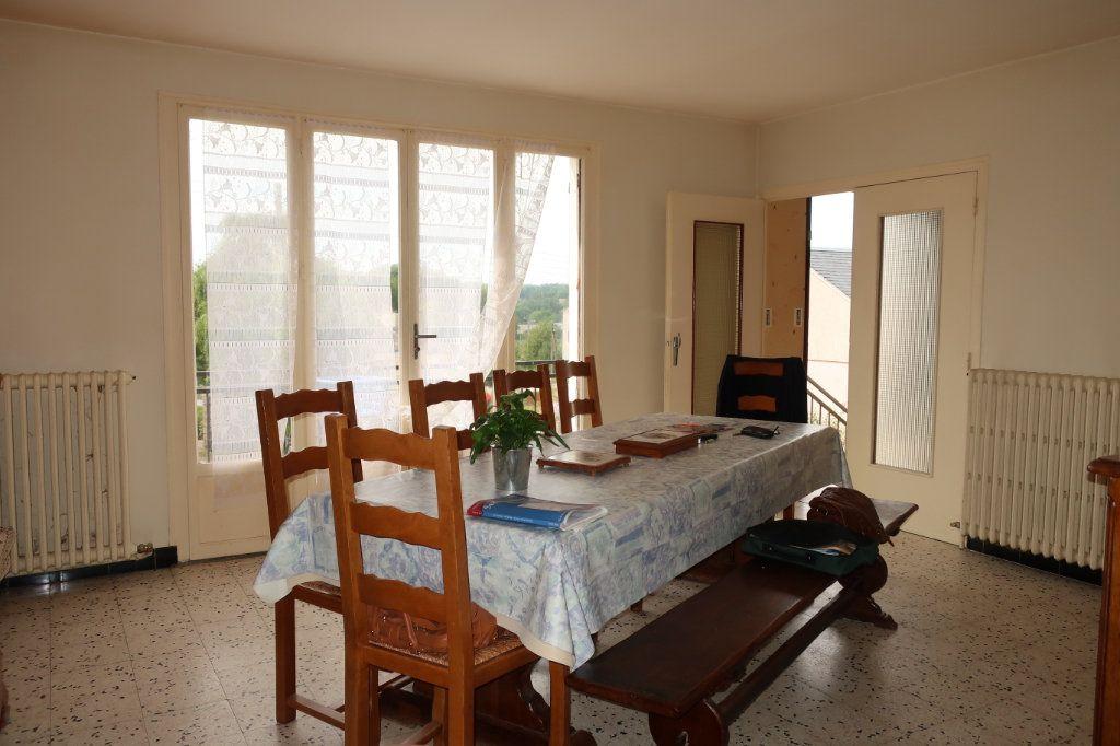 Maison à vendre 7 118m2 à Château-Renard vignette-2