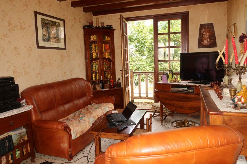 Maison à vendre 7 118m2 à Château-Renard vignette-3