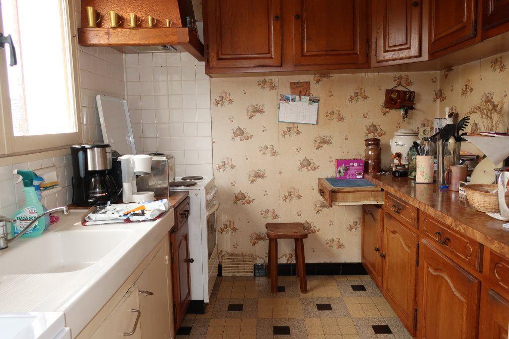 Maison à vendre 7 118m2 à Château-Renard vignette-4