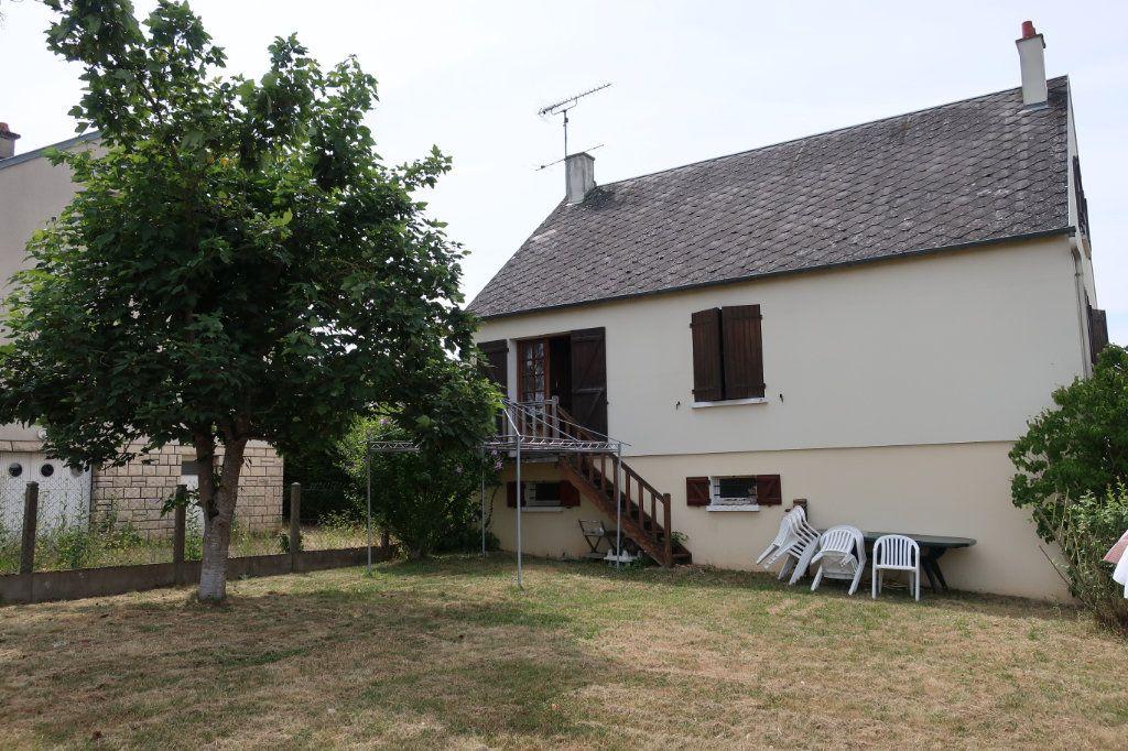 Maison à vendre 7 118m2 à Château-Renard vignette-12
