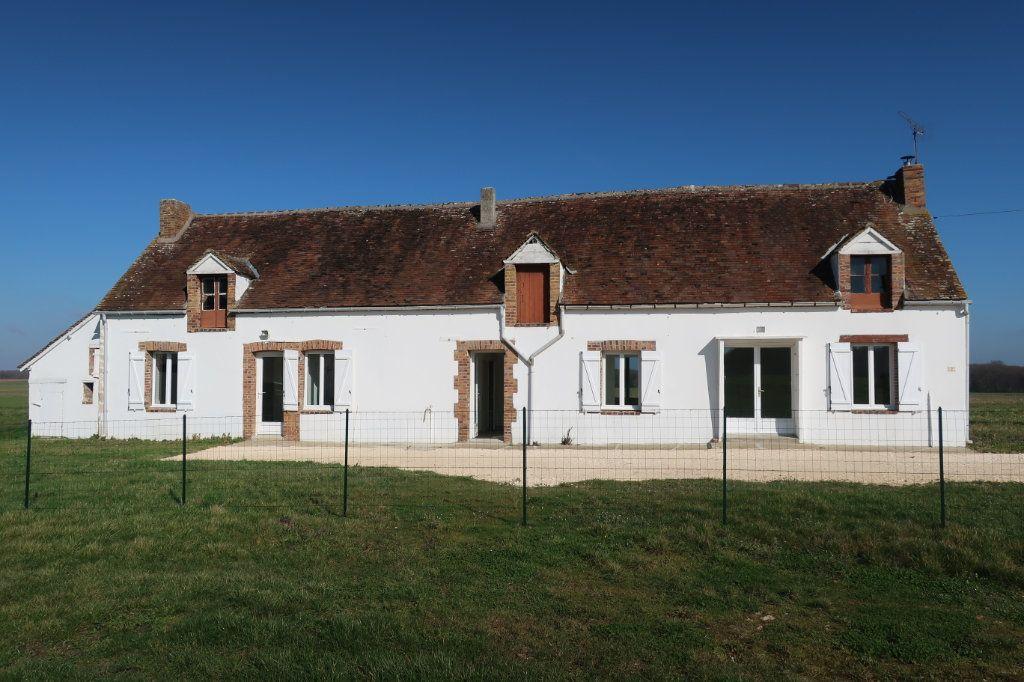 Maison à louer 4 114m2 à Saint-Firmin-des-Bois vignette-1