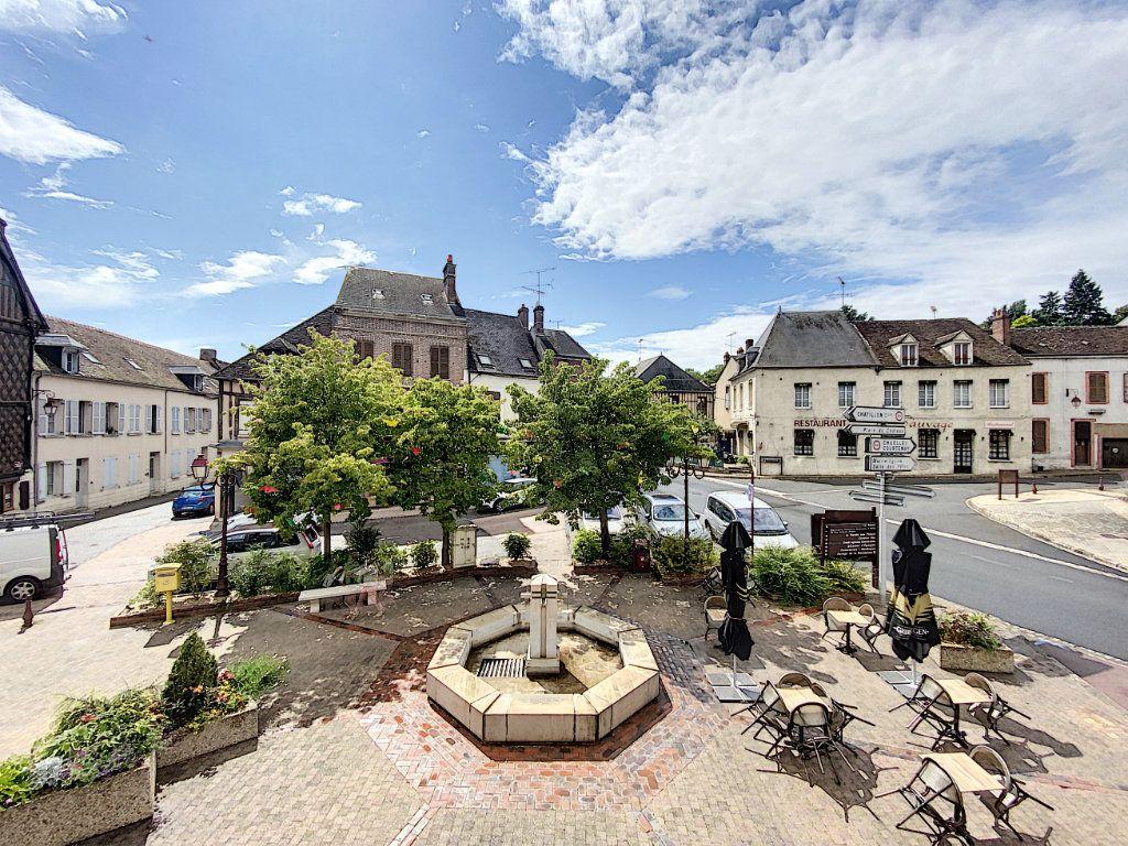 Appartement à louer 4 114m2 à Château-Renard vignette-8