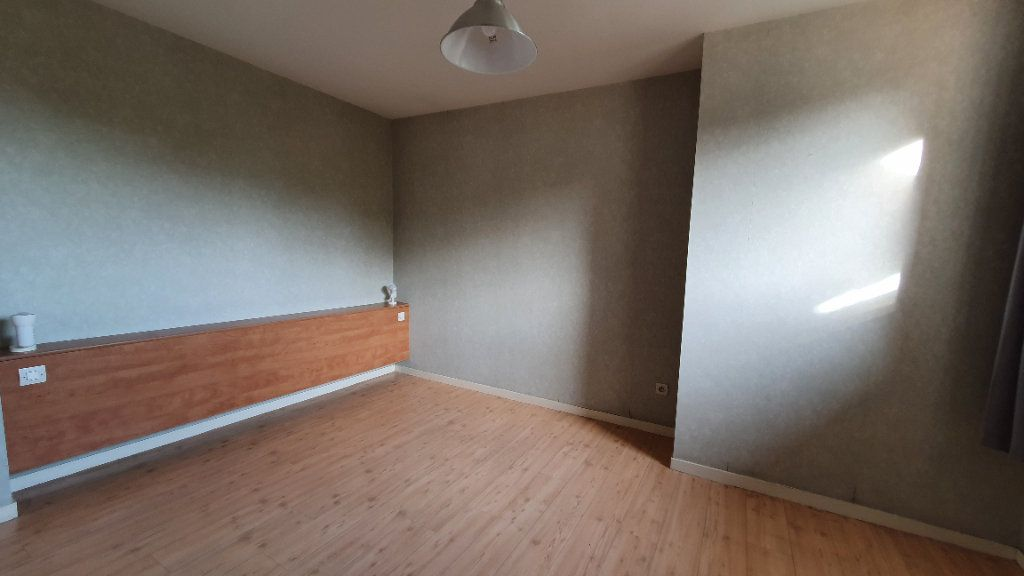 Appartement à louer 2 51m2 à Château-Renard vignette-2