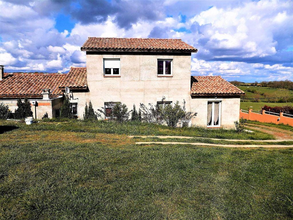 Maison à vendre 7 203m2 à Castelnau-Picampeau vignette-1