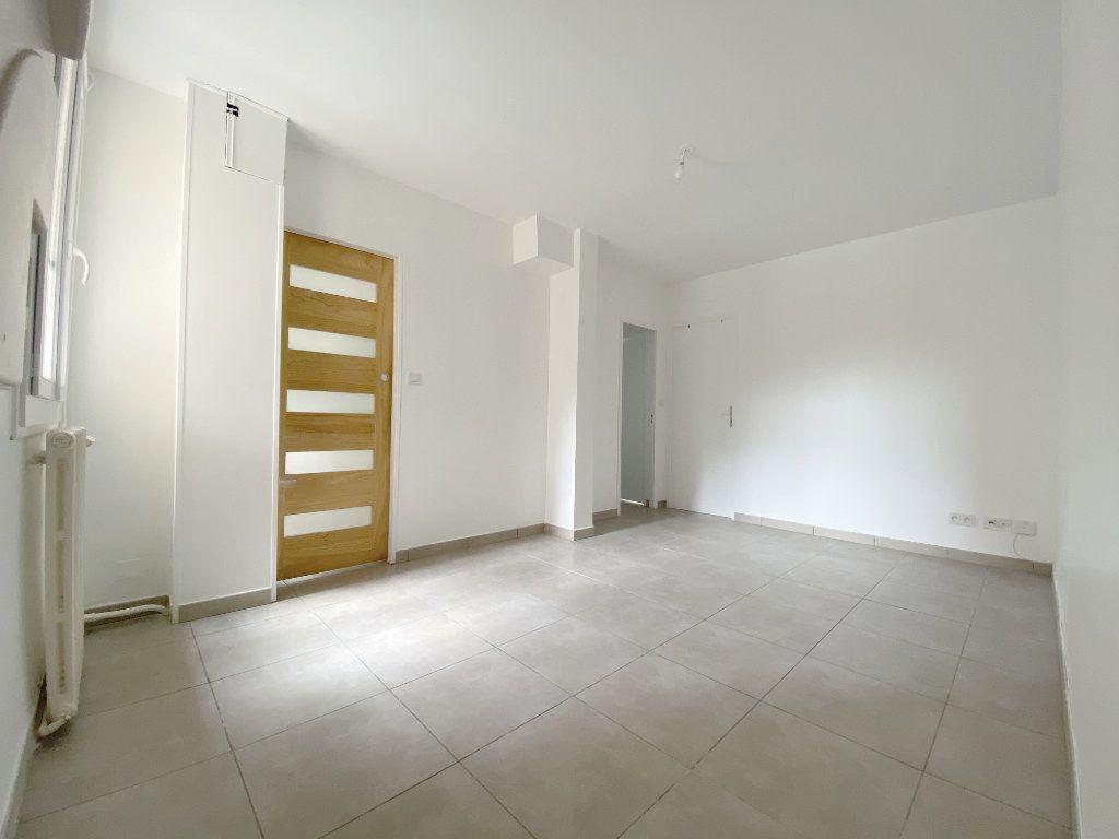 Appartement à louer 3 46.55m2 à Toulouse vignette-3