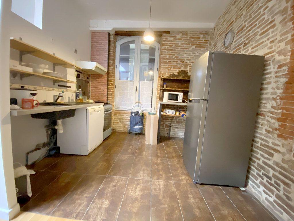 Appartement à louer 4 100m2 à Toulouse vignette-3