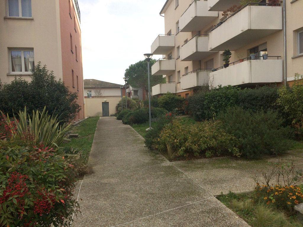 Appartement à vendre 3 65.85m2 à Toulouse vignette-2