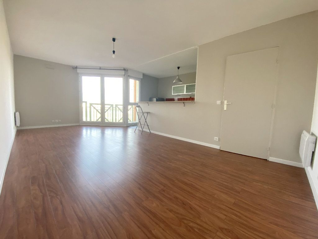 Appartement à louer 3 61.48m2 à Toulouse vignette-2