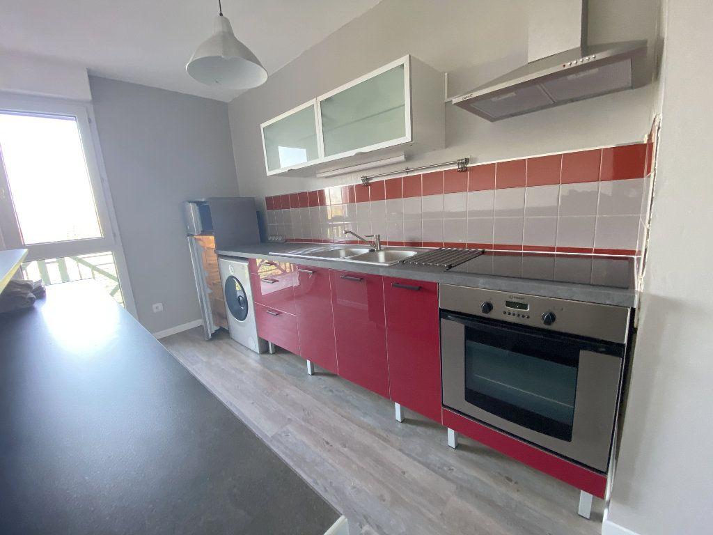Appartement à louer 3 61.48m2 à Toulouse vignette-5