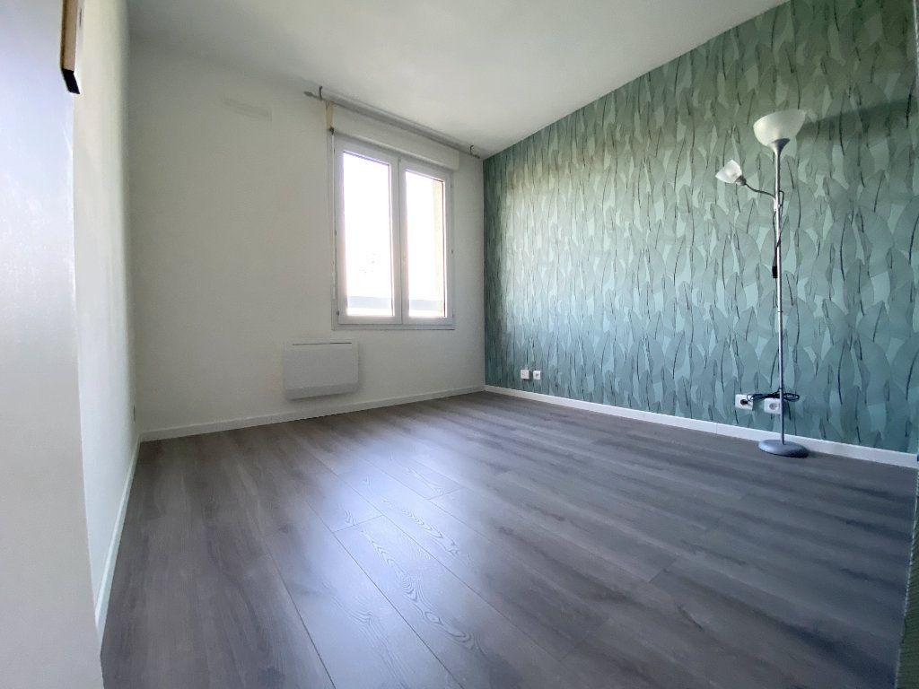 Appartement à louer 3 61.48m2 à Toulouse vignette-6