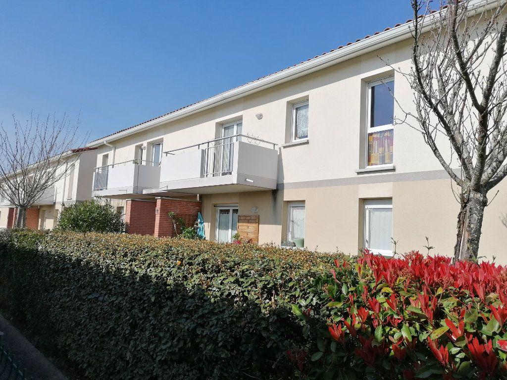 Appartement à louer 2 45.72m2 à La Salvetat-Saint-Gilles vignette-10