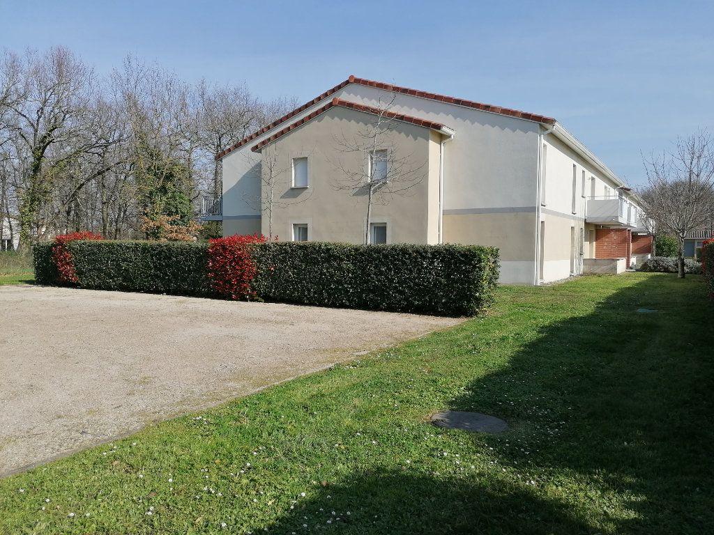 Appartement à louer 2 45.72m2 à La Salvetat-Saint-Gilles vignette-11