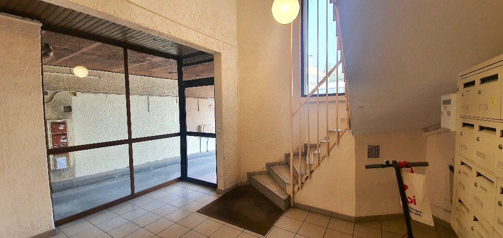 Appartement à vendre 1 27m2 à Toulouse vignette-2