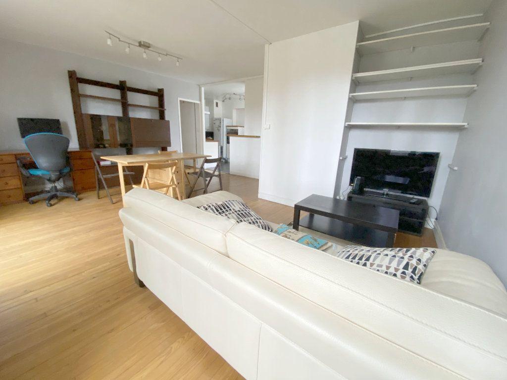 Appartement à louer 3 65.43m2 à Toulouse vignette-2