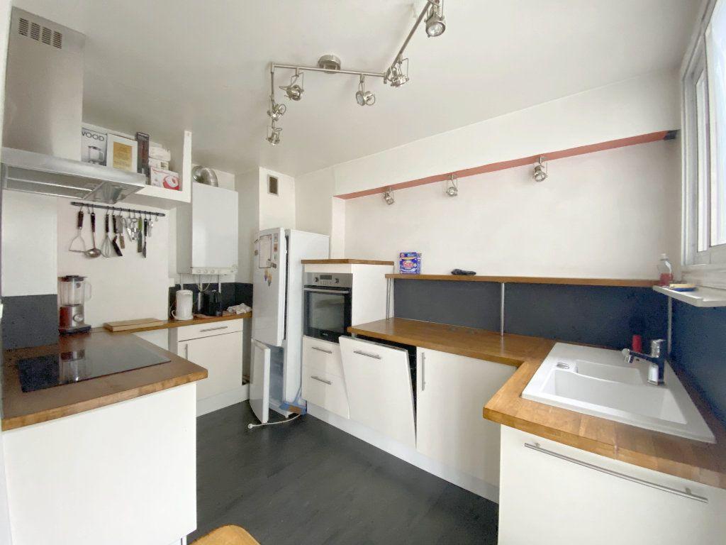 Appartement à louer 3 65.43m2 à Toulouse vignette-3