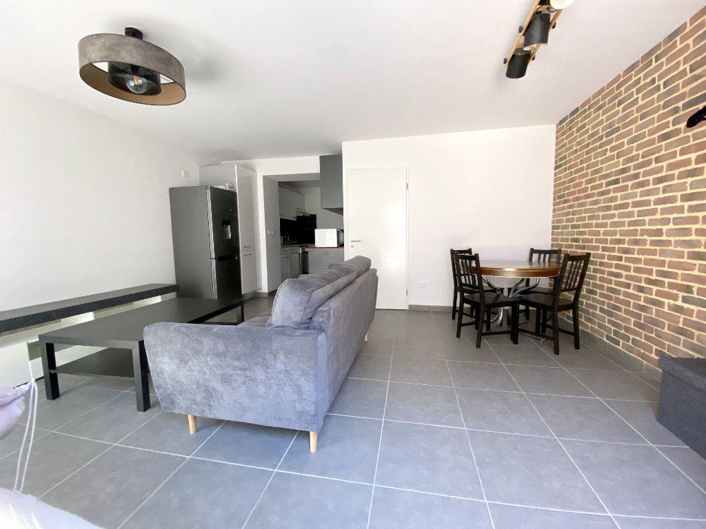 Appartement à louer 3 70.45m2 à Toulouse vignette-1