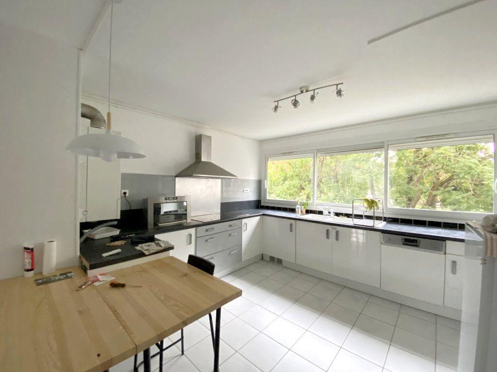 Appartement à louer 4 68.51m2 à Toulouse vignette-3