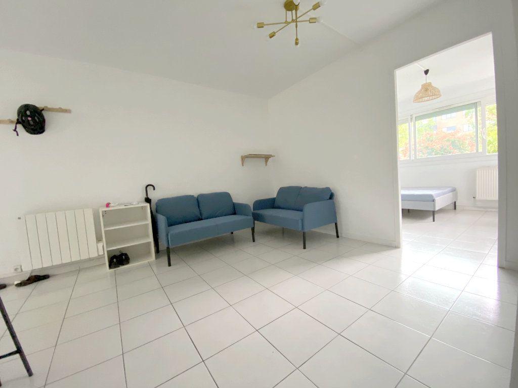 Appartement à louer 4 68.51m2 à Toulouse vignette-4