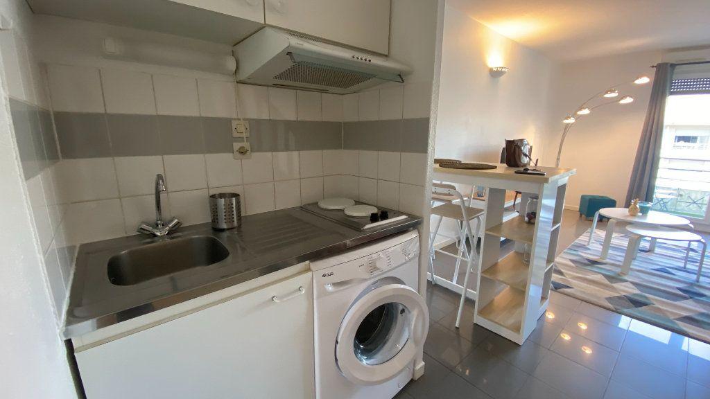 Appartement à louer 2 34.58m2 à Toulouse vignette-3