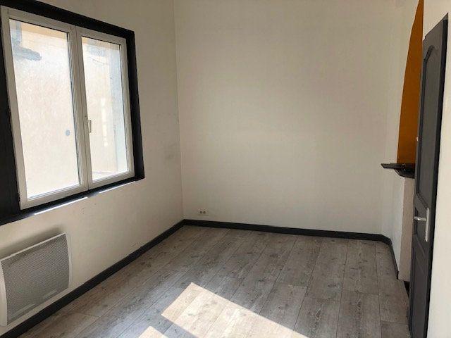 Appartement à louer 1 23m2 à Avignon vignette-4
