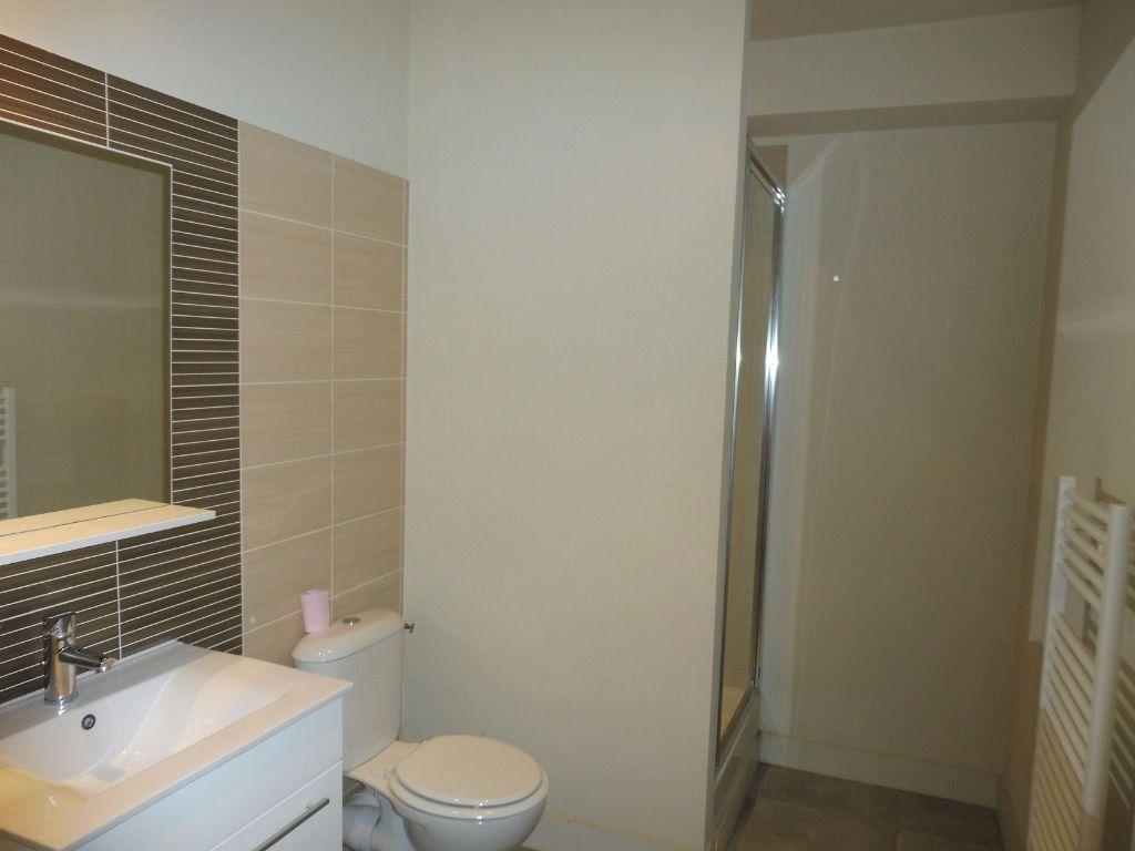 Appartement à louer 2 44.95m2 à Avignon vignette-4