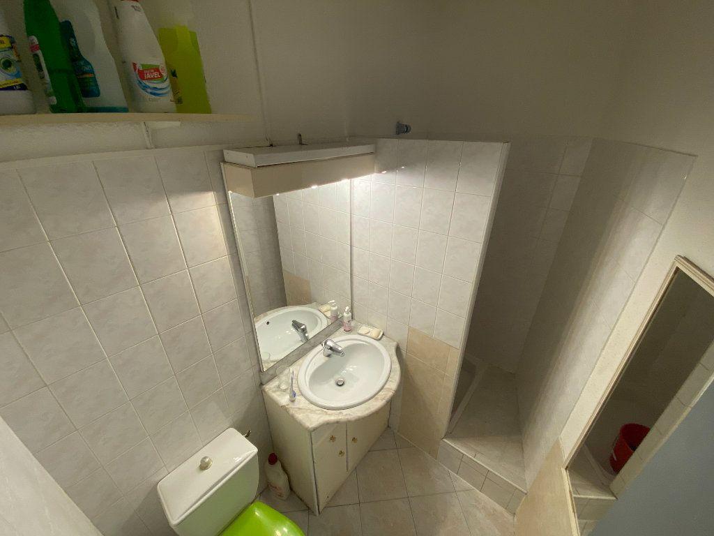 Appartement à vendre 1 18m2 à Avignon vignette-4
