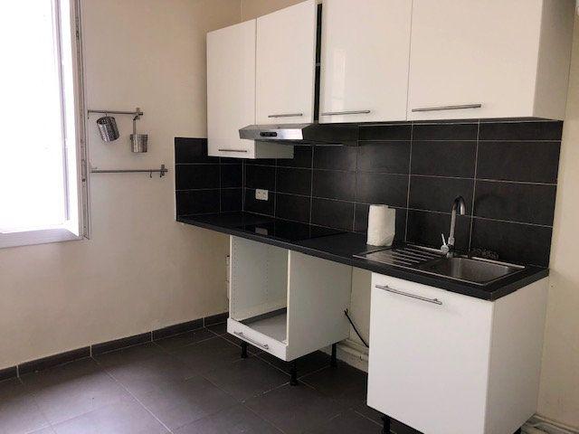 Appartement à louer 2 45.43m2 à Avignon vignette-1