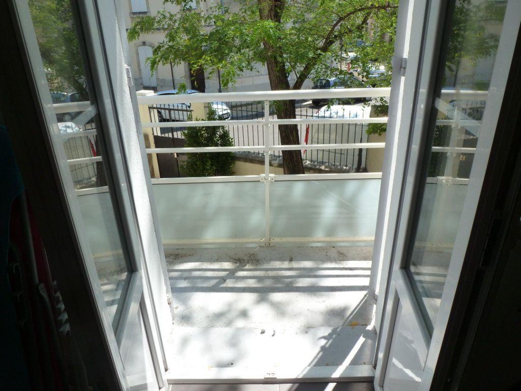 Appartement à louer 2 45.43m2 à Avignon vignette-3