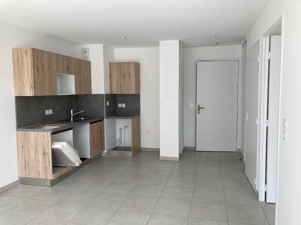 Appartement à louer 2 40.55m2 à Avignon vignette-4
