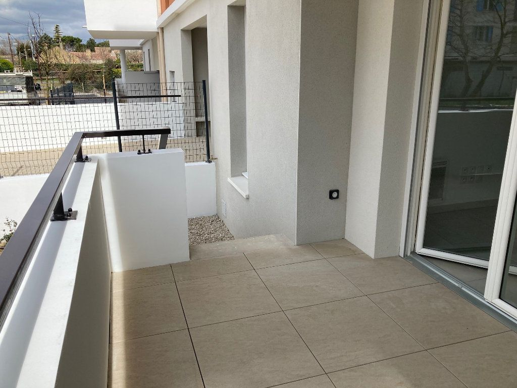 Appartement à louer 2 40.3m2 à Avignon vignette-3