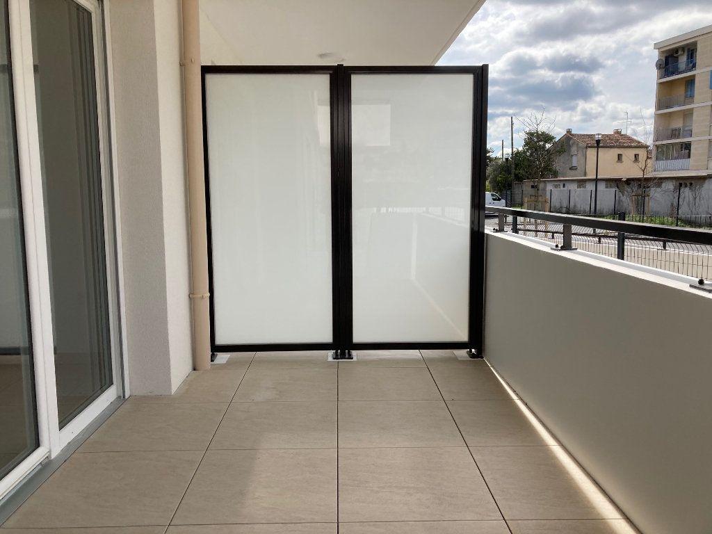 Appartement à louer 2 40.3m2 à Avignon vignette-4