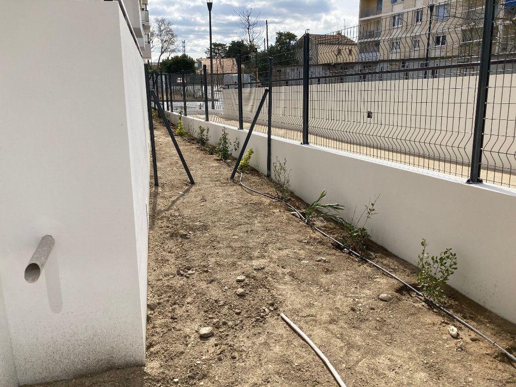 Appartement à louer 2 40.3m2 à Avignon vignette-5