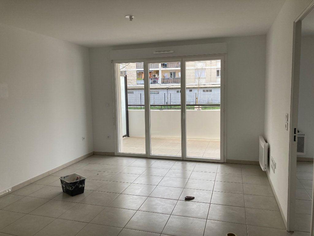 Appartement à louer 2 40.3m2 à Avignon vignette-8