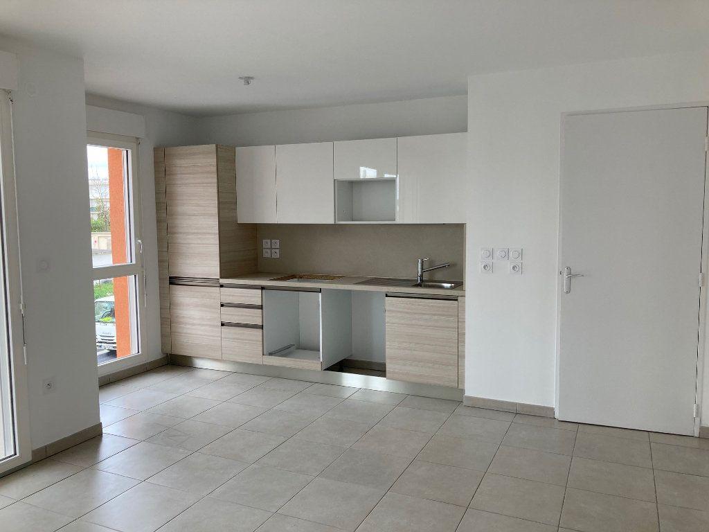 Appartement à louer 3 57.9m2 à Avignon vignette-4