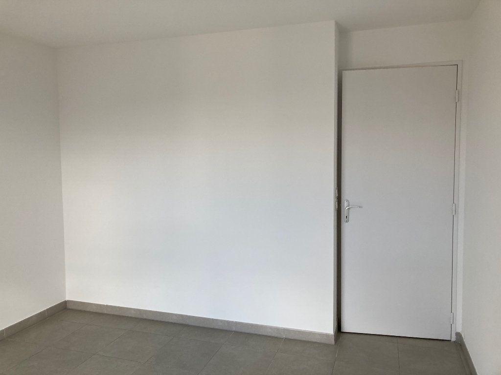 Appartement à louer 4 79.25m2 à Avignon vignette-6