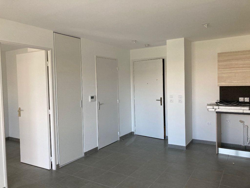 Appartement à louer 2 38.4m2 à Avignon vignette-5