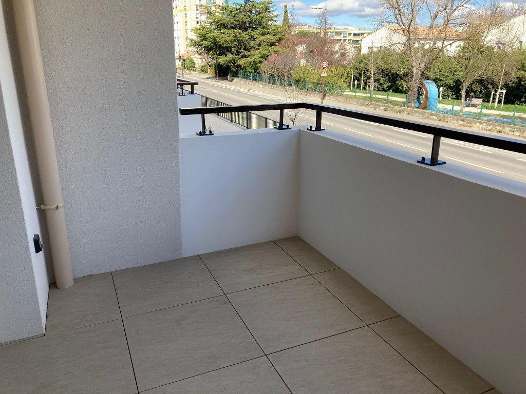 Appartement à louer 2 38.4m2 à Avignon vignette-8