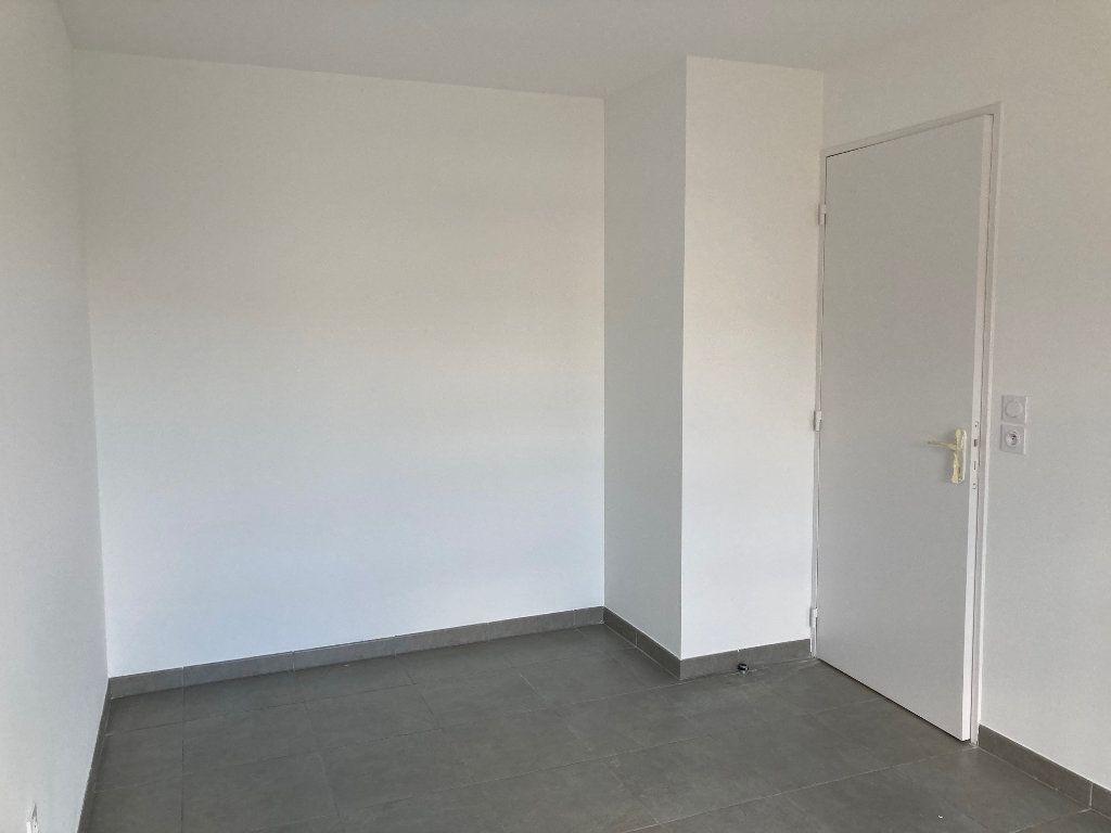 Appartement à louer 2 38.4m2 à Avignon vignette-9