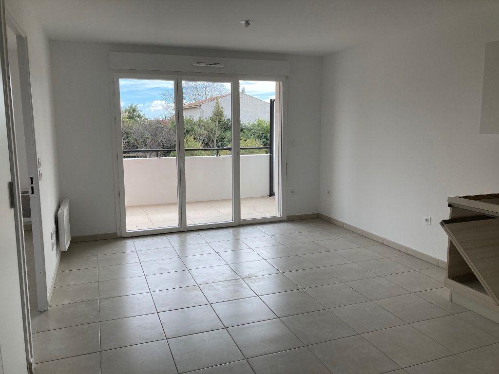 Appartement à louer 2 39.3m2 à Avignon vignette-4