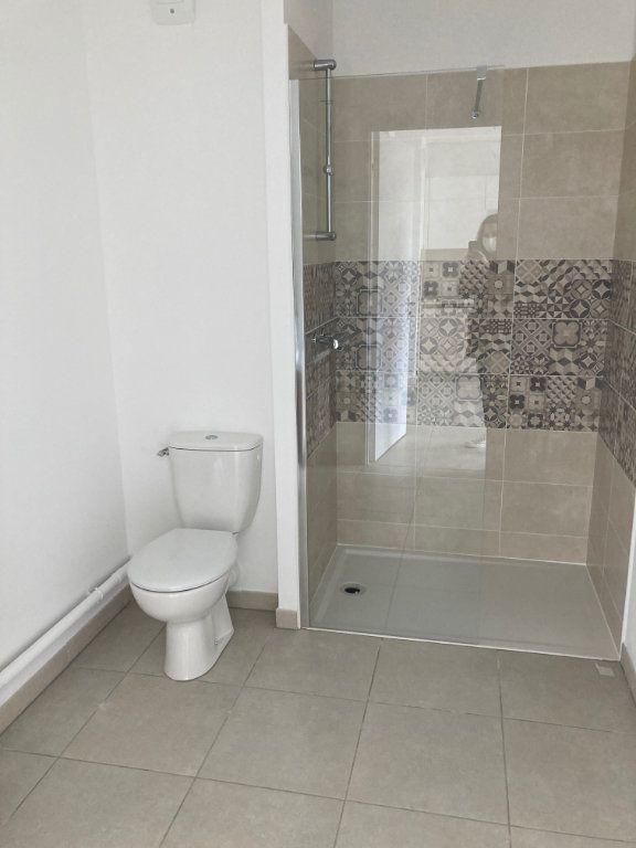 Appartement à louer 2 39.3m2 à Avignon vignette-5