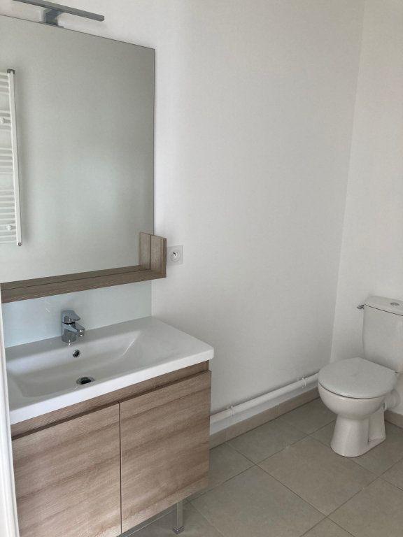 Appartement à louer 2 39.3m2 à Avignon vignette-6