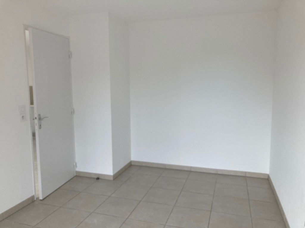 Appartement à louer 2 39.3m2 à Avignon vignette-7