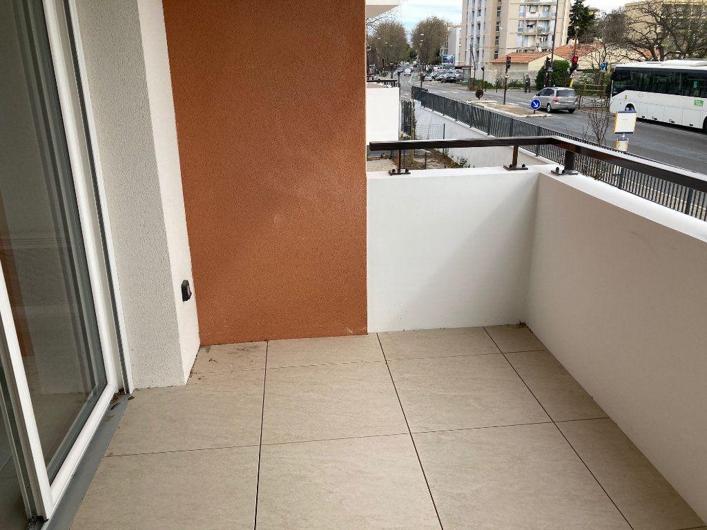 Appartement à louer 2 39.3m2 à Avignon vignette-8