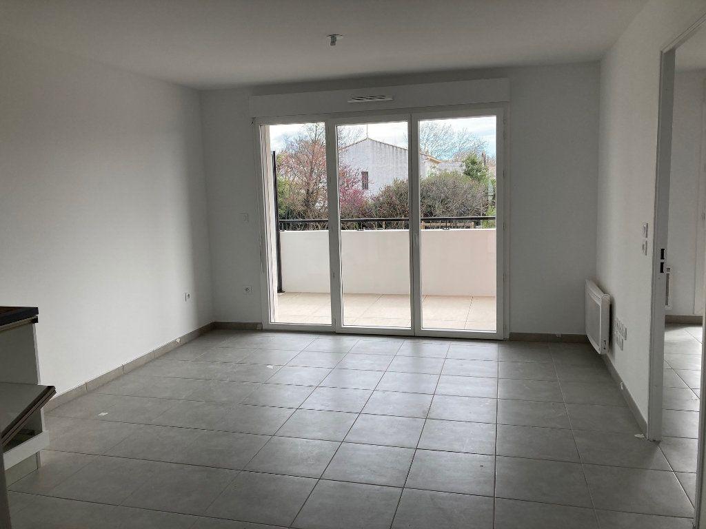 Appartement à louer 2 39.2m2 à Avignon vignette-4