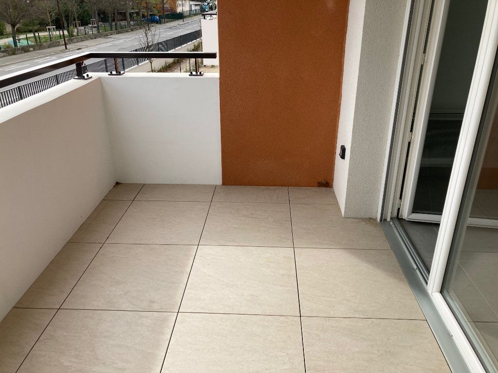 Appartement à louer 2 39.2m2 à Avignon vignette-5
