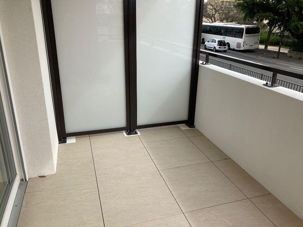 Appartement à louer 2 39.2m2 à Avignon vignette-6