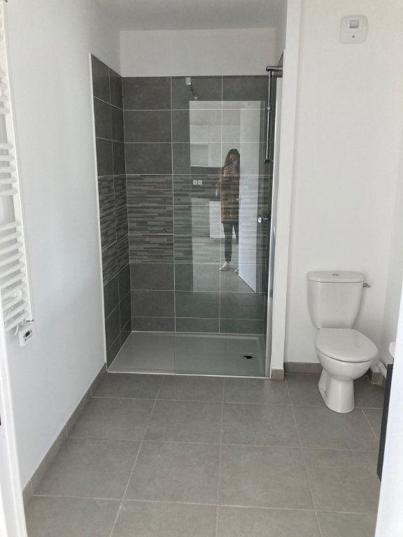 Appartement à louer 2 39.2m2 à Avignon vignette-9