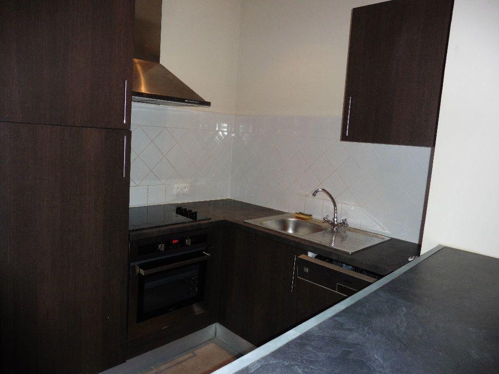 Appartement à louer 2 50.56m2 à Avignon vignette-2