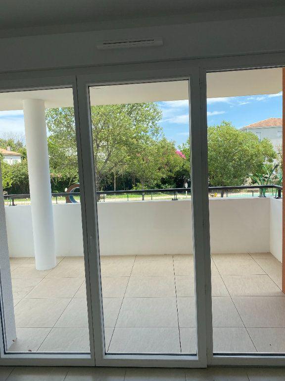 Appartement à louer 3 57.9m2 à Avignon vignette-2